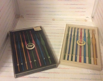 BOYE, Diana, Crochet Hooks, Sets, Sizes D thru K, Made in USA, Plastic Case, Keeper, Organizer, Original package