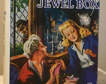 Nancy Drew - The Clue in the Jewel Box by Carolyn Keene tweed in Dust Jacket