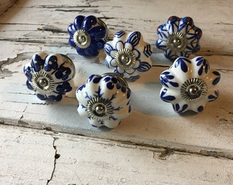 Set of 6 Knobs, Decorative Pumpkin Pulls, Craft Supply, Furniture Knob, Ceramic Hand Painted Drawer Pulls, Cabinet Supplies, Item #497211132