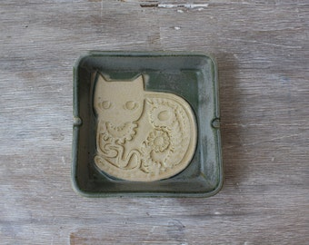 Mod Floral Cat Ceramic Ashtray // Made in Japan // Catch-all // MCM Dish