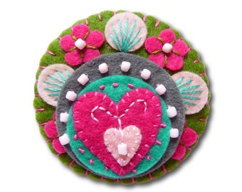 FB074 -  Heart to Heart -  Handmade Mini Felt Brooch - Olive and Fuchsia - Made to order