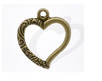 Set of 20 bronze 25 mm x 22 mm carved hearts charms
