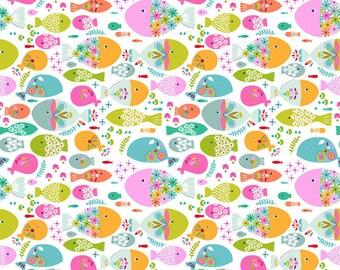 1 yard - Swimming With The Fishes White - Go Fish - Blends Fabrics - Maude Asbury-  101.136.03.2