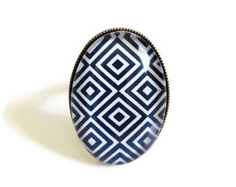 ring * black and white geometry * graphic diamond square, glass cabochon