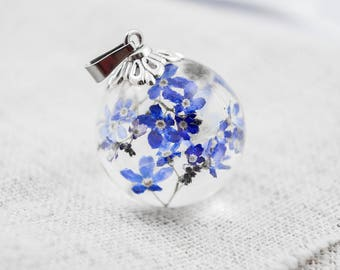 Resin jewelry Terrarium jewelry Real forget-me-not necklace Resin flower necklace Botanical resin necklace Sphere pendant Nature Jewelry