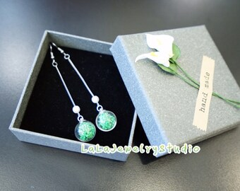 Real Flower Earring-Green Baby's Breath flower earring. Gift and Flower for Her.