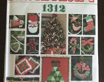 Vogue Patterns Santa Pack 1312