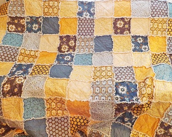 Full Rag Quilt - blue, yellow quilt - Floral and Dots - Patchwork - Floral - Mother's Day - Gift for Her - Handmade