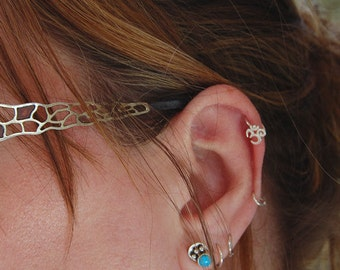 OHM Cartilage Yoga Meditation Earring / Yoga Earring /Cartilage Hoop / Cartilage Piercing / Helix Hoop / Silver Cartilage Hoop