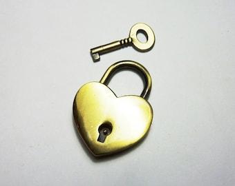 Heart shaped padlock bronze KR-06Y040
