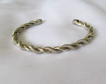 Pleasing Vintage Heavy Silver Metal lTwisted Rope Coil Cuff Bracelet
