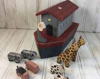 Vintage Judi Thomas Folk Art Handmade Noahs Ark and Animals