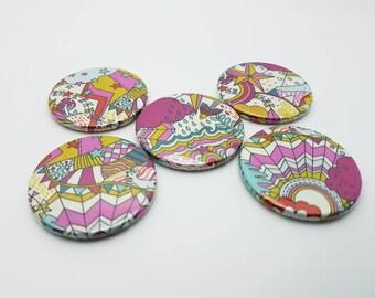 Lot de 5 aimants ronds en Liberty véritable. 5 magnets Liberty Land of Dream couleurs vives Diamètre 38 mm.