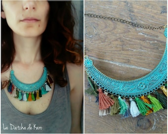 Bib necklace tassels