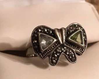 Vintage Sterling Silver Blue Topaz Peridot & marcasite ring size 9.5