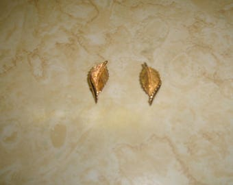 vintage clip on earrings goldtone leaf
