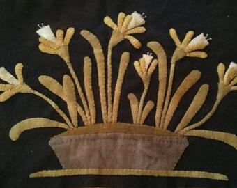 Applique Pattern - Daffies in an Old Granite Pan - Choose Pattern Only or Pattern w/Wool Kit