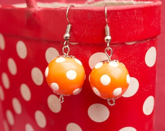 Earrings with polka dots