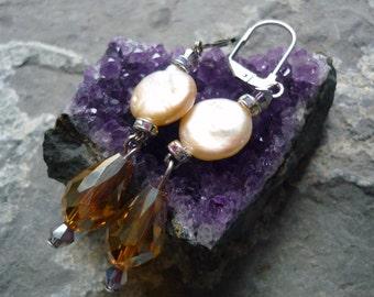 Freshwater pearl earring ,style 1920s earrings , antique vitorian earrings ,drop  earring, antique pearl earring, peach color earring