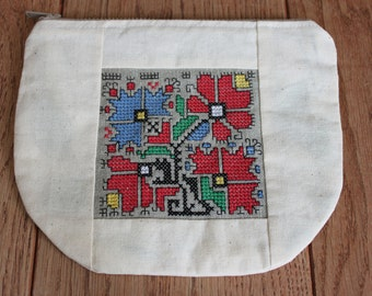 Hand Embroidered Bulgarian Shevitsa on Natural Linen and Cotton Zipper Pouch-Traditional Bulgarian Folk Embroidery-Shevitsa-Cosmetic Bag