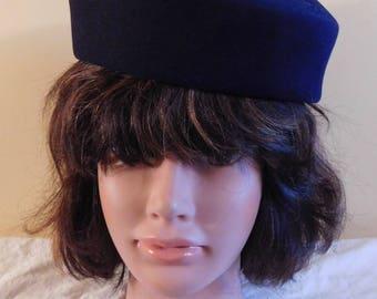 Vintage Dobbs Black Wool Felt Beret