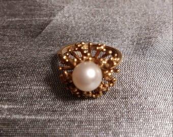 Intricate & Delicate Vintage 14K Pearl Ring