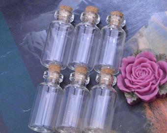 10 Small glass bottles with corks, empty Glass bottle pendant, corked bottle, Mini glass bottle, glass Vials, mini glass jars 18x40mm