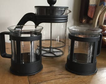 Vintage BODUM Bistro French Press Coffee Maker 6 with a pair of matching Mugs - Classic Black - Ergonomic Handle - Made in DENMARK