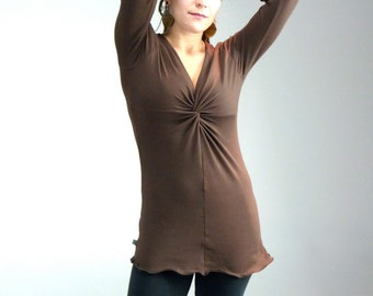Medium Longsleeve Twist Front Shirt in Cacao Brown