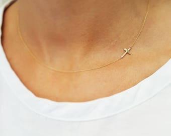 Cross pendant. 18K Gold. Hand made. Minijewelry. Crazy jewelry