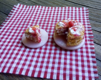 1:12 Scale Dollhouse Miniature Strawberry Shortcake