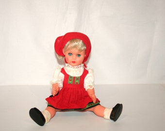 Very Pretty Vintage Hard Vinyl Doll /MEMsArtShop.