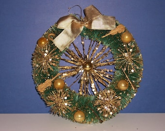 Vintage Bottle Brush Wreath, Gold Musical Instruments, Glitter
