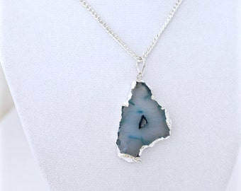 Agate Slice, Agate Pendant, Silver Agate Necklace, Agate Necklace, Gemstone Pendant, Silver Jewelry,Gypsy Jewelry,Gift For Her, Holiday Gift