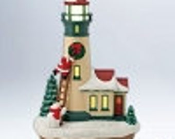 2012 Hallmark Holiday Lighthouse ornament