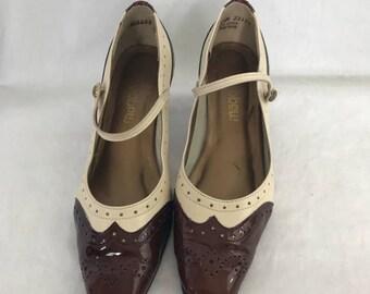 Vintage 1980s Magdalena Brown Cream Spectator Mary Jane Heels 6.5