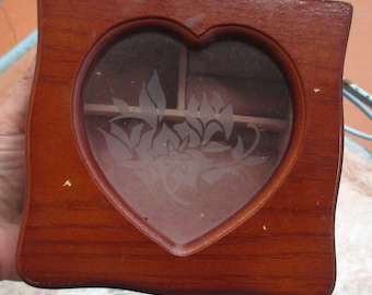 Retro Girls Wooden Heart Shaped Flower Small Jewelry Box With Costume Rings  Colorful Bangle Bracelets
