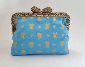 Coin purse, mouse clasp, blue