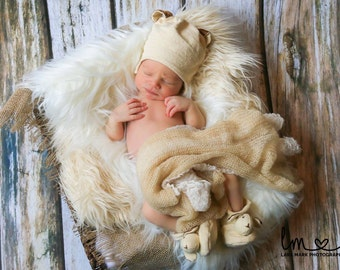"SALE......Cream / Ivory Faux Fur Photo Prop, Mongolian Faux Fur, Newborn Photo Prop, 3"" Pile, Baby Photo Prop. Layering Blanket."