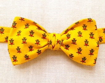 Pinecone (self tie bow tie)