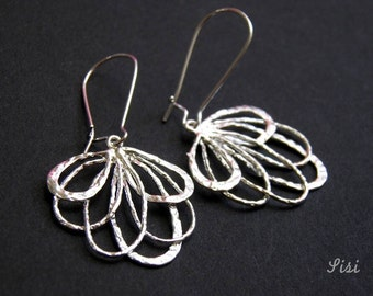 Pierced earrings silver drops