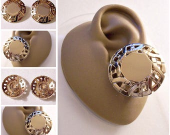 Monet Slotted Link Chain Clip On Earrings Gold Tone Vintage 1950s Large Round Domed Discs