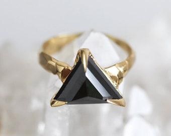 Black Diamond Ring, Trillion diamond Ring, Triangle Diamond Ring, Modern Diamond Ring with Raw Band, Yellow Gold Diamond Ring, ooak ring