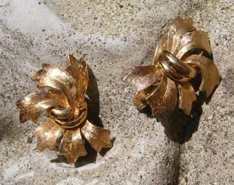 Vintage BRUSHED GOLD RIBBONS Monet Earrings