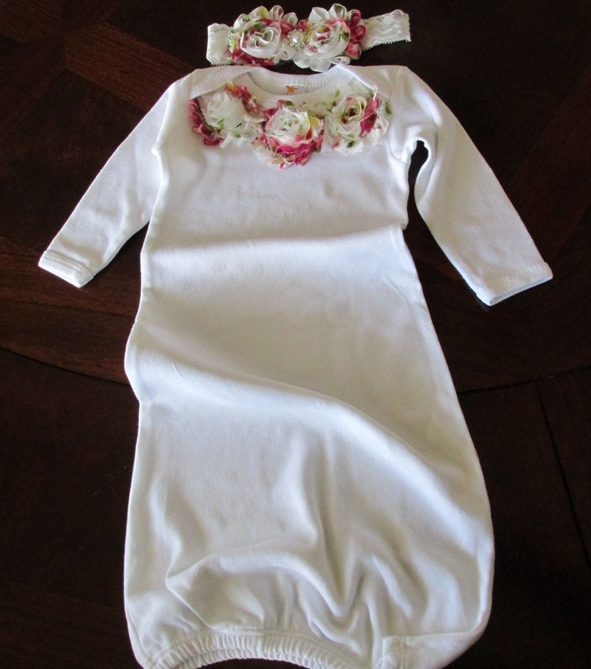 Baby nightgown with pink and white organza flowers and