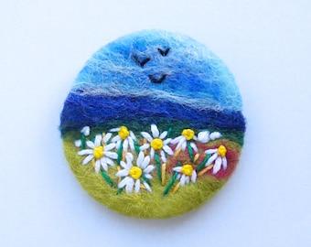 Daisy Brooch, Flower pin, daisy jewelry, Needle felted brooch, Felt Brooch, wool, Gift for her, Summer Meadow, Choose Pin Shape