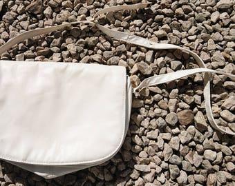 Vintage 80's white leather crossbody shoulder bag, ladies handbag