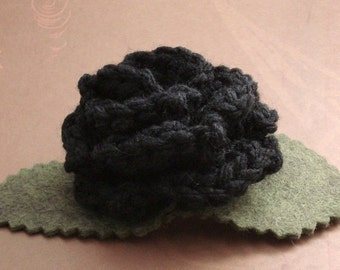 Crocheted Rose Hair Clip - Black (SWG-HC-ZZ01)