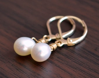 Pearl Bridesmaid Earrings, White Drop Freshwater Pearl, Wire Wrapped, Gold Lever Earwires, Leverback, Simple Wedding Jewelry