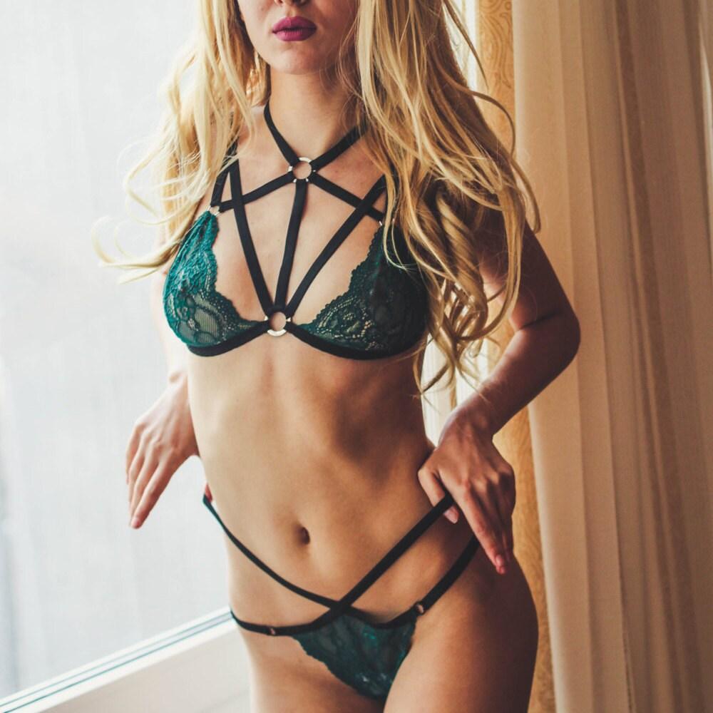 Lingerie/ Green lingerie/ Harness lingerie set/ Emerald lace